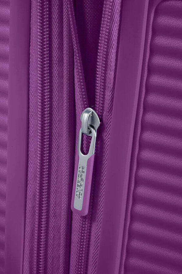Walizka kabinowa American Tourister Soundbox 55 cm powiększana fioletowa